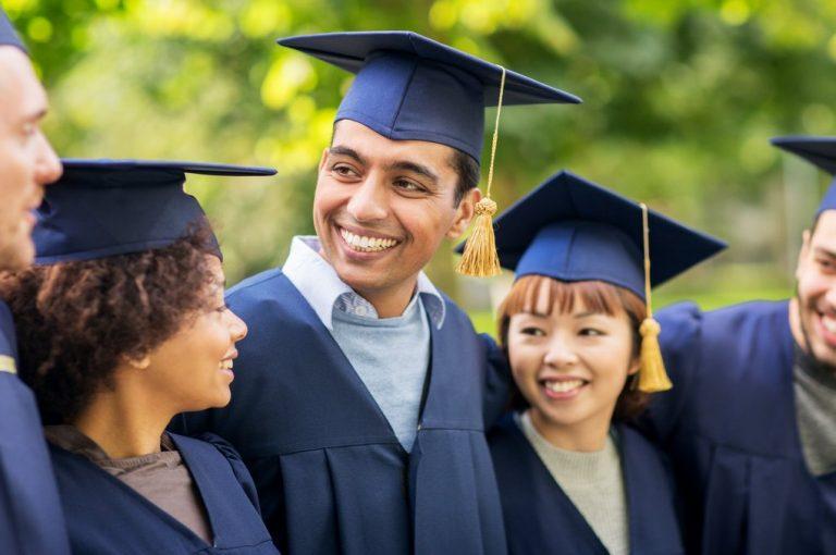 graduation_shutterstock_590056613